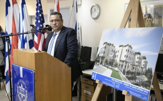 ראש עיריית ירושלים משה ליאון נואם