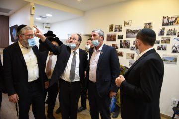 """השר רפי פרץ: """"נצח יהודה"""" עשו מהפכה בצבא ובחברה הישראלית"""