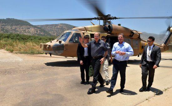 שר הביטחון משה (בוגי) יעלון ומזכיר ההגנה האמריקאי אשטון קרטר. צילום: אריאל חרמוני, משרד הביטחון
