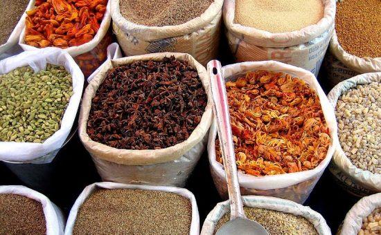 תבלינים בחנות גואה, הודו (ויקיפדיה)