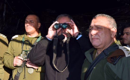 אביגדור ליברמן בצאלים (צילום: אריאל חרמוני/משרד הביטחון)