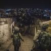 """צפו: כוחות צה""""ל החרימו ציוד ואטמו מפעל לייצור נשק"""