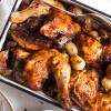 מתיקות מעודנת: עוף בדבש ובצלצלים מקורמלים