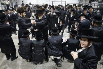 חזי הולצמן בבני ברק: שמחת בית השואבה של חצר הקודש סאדיגורה