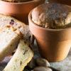 """לט""""ו בשבט: לחם בריוש אפוי בתוך עציצים"""