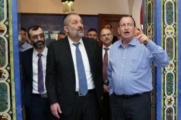 שר הפנים סייר בתל אביב ופגש את ראש העיר