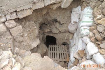חפרו מתחת לבית בכפר הערבי, מצאו עתיקות יהודיות – ונעצרו