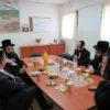 """מנכ""""ל עיריית אלעד החדש הרב זאב קשש בביקור מקיף במוסדות ויז'ניץ בעיר"""