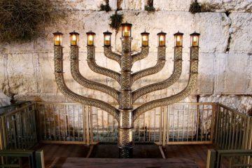 לכבוד החנוכה: סיורי חנוכיות חווייתיים ברובע היהודי