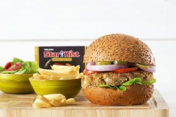 """טוויסט ל""""על האש"""": המבורגר טונה מעושנת"""