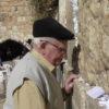 ניצול שואה כבן 90 ביקר לראשונה בחייו בכותל