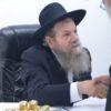 צפו: הרב מרדכי שמואל אדלשטיין בחלוקת דבש