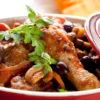 תבשיל שוקי עוף, זיתי טאסוס ופירות יבשים