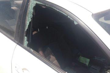 מחבלים יידו אבנים סמוך לביתר עילית; רכב ביטחון הותקף ואחד מאנשיו נפצע