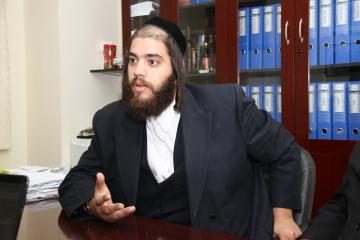 ראש העיר מתרגש וסוחף את תושבי העיר: למנוע את פסק הדין