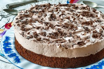 עוגת שוקולד וקוקוס בציפוי קצפת •מתכון של דנית סלומון