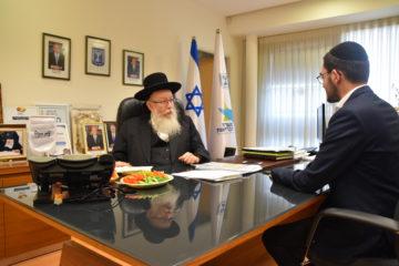 עולה לו בבריאות • ראיון מרתק עם שר הבריאות יעקב ליצמן