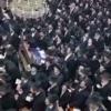 אלפים התכנסו ב'לדרמן' לעצרת תפילה לרפואת ראש הישיבה • צפו בתיעוד