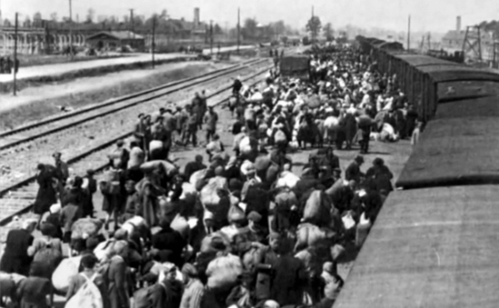 יהודי קרפטורוס מגיעים לאושוויץ