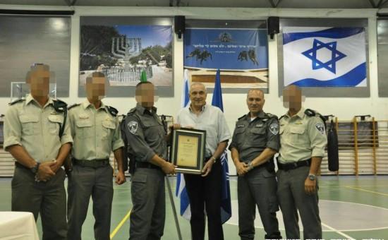 השר אהרונוביץ' בטקס משטרתי השבוע