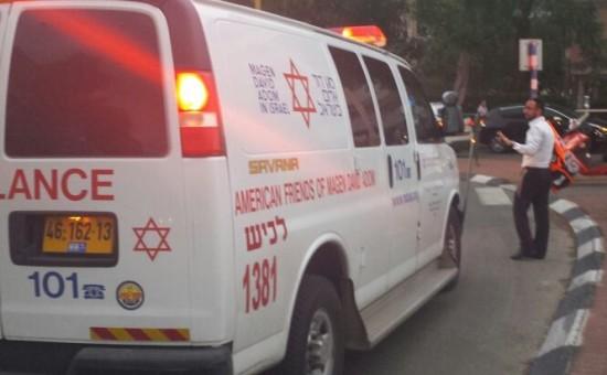 """תאונת דרכים באשדוד (צילום: מד""""א לכיש)"""