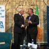 """אדריכל השלום באירלנד התגייס למען המזה""""ת"""