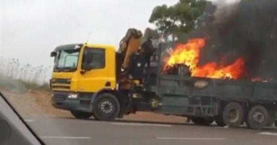 """חוקרי השריפות חשפו לבעל המשאית; """"אתה האשם בשריפת המשאית"""""""
