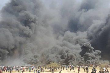 צפו: אלפי הצמיגים העזתיים עולים באש