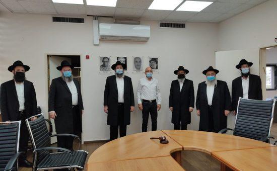 """רנבי כפר חב""""ד אצל ראש המועצה האזורית"""