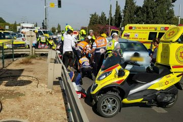 נהגת בת 72 נפצעה קשה בתאונה