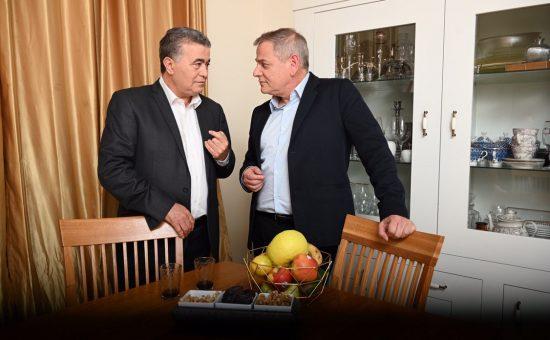 ניצן הורוביץ בביתו של עמיר פרץ