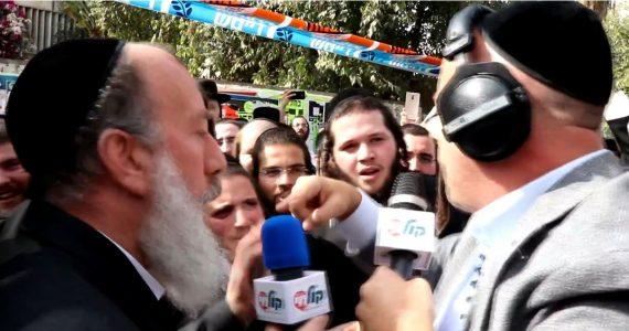 צפו: הירושלמים רוקדים ברחובות עם יוסי דייטש
