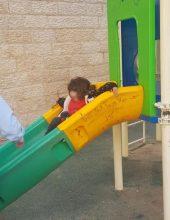 ירושלים: בת שנתיים אותרה סמוך לתחנת המשטרה