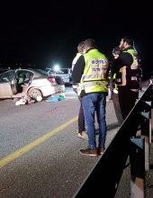גבר הרוג, אשה ושלושה ילדים פצועים בתאונת דרכים