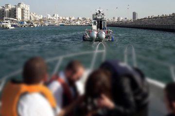 אשדוד: חרדים נתקעו בסירה – השוטרים חילצו