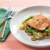 סלמון על מצע ירקות♦ קליל, טעים ובריא
