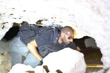 צפו: בת 40 נתפסה עם נשק מאולתר