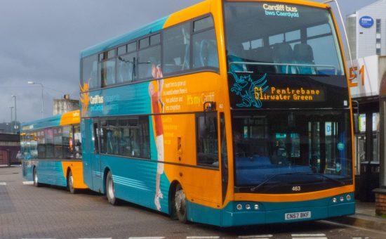 אוטובוס עירוני בקרדיף