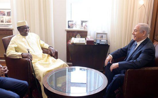 """ראש הממשלה עם נשיא צ'אד, צילום: עמוס בן גרשום לע""""מ"""