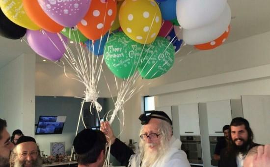 הרב ברלנד בחגיגת יום הולדת 79 לפני מספר שבועות