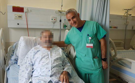 """עם מנהל טיפול נמרץ לב, ד""""ר אלעד אשר"""