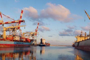 נמל אשדוד: רציף 8 ב'פריקה עצמית'