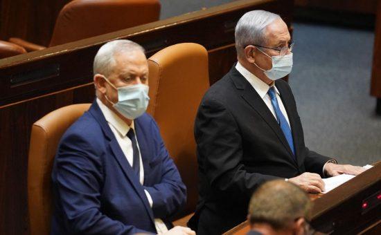 איבה מופגנת. ראשי הממשלה במליאה | צילום: יהונתן סמייה, דוברות הכנסת