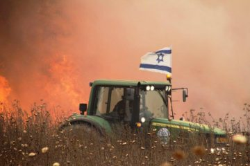 טרור העפיפונים: החקלאים  תובעים את החמאס