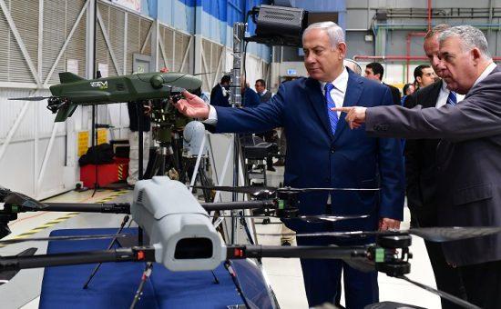 """ביקור ראש הממשלה בנימין נתניהו בתעשייה האווירית. צילום - קובי גדעון / לע""""מ"""