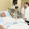 """שגריר ארה""""ב ביקר את נפגע הרקטה, וסייר באשדוד"""