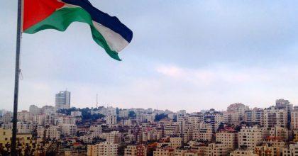 נורווגיה נגד הרשות הפלסטינית: עוצרים המימון עד שתפסיקו להלל מחבלים