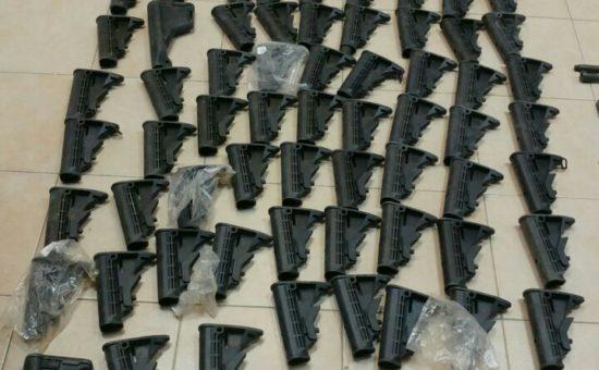 """חלקי נשק שנתפסו (דובר צה""""ל)"""