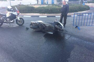 גנב אופנוע ונמלט מהשוטרים עד שנעצר ללא רשיון