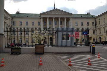 הפולני דורש לתבוע את הנשיא